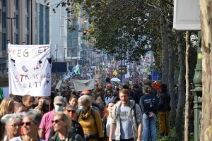 Back_to_the_Climate_2021_crowds_(2)